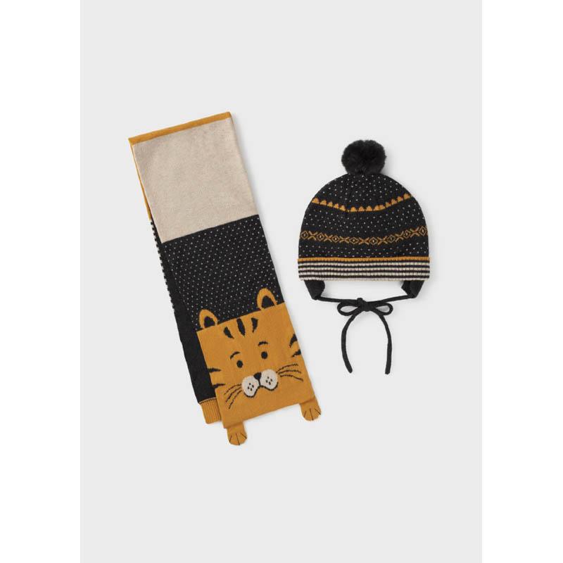 Бебешки комплект от шапка и шал за момче Mayoral